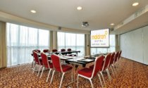 boardroom-meeting-at-Maldron-Hotel-Sandy-Road